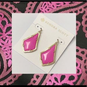 Kendra Scott gold pink Alex drop earrings NWT